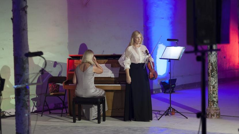 +Галерея. Дни оперы открылись в бывшем цехе Кренгольма