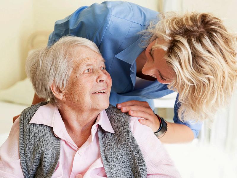 Родным людей с деменцией поможет группа поддержки