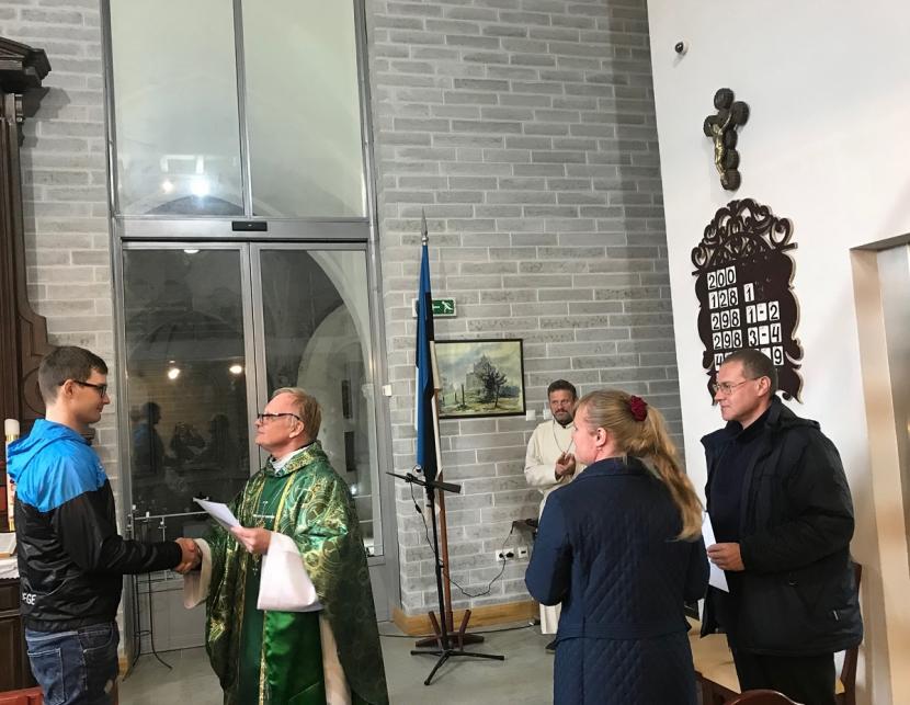 + Галерея. Нарвская Александровская церковь: главный зал начнет отапливаться, доступ в него будет открыт