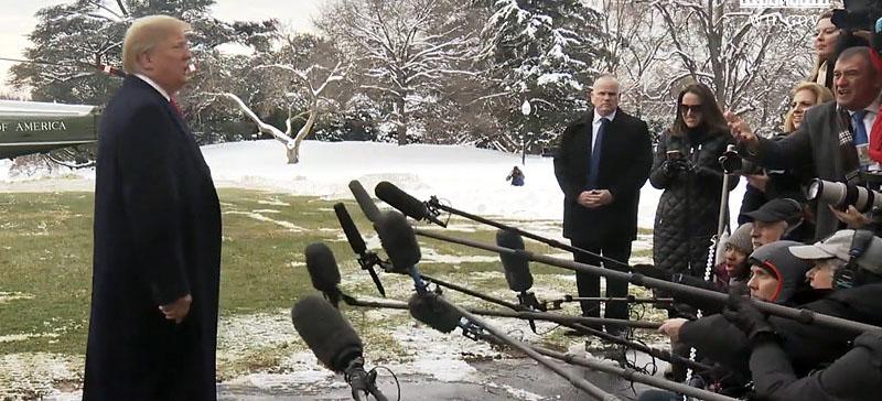 """Трамп продолжает оправдываться из-за """"фейковой"""" новости про его секретные переговоры с Путиным"""