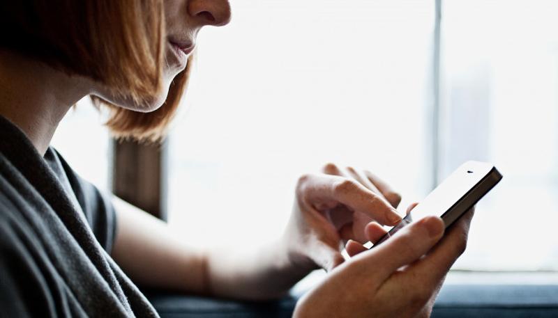 Нарвский экс-полицейский отправляет СМС-ки и электронные письма с угрозами
