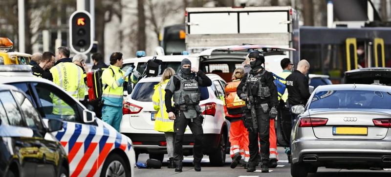 Неизвестный открыл стрельбу в трамвае в голландском Утрехте