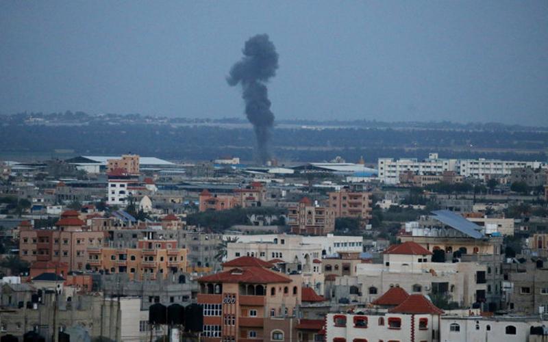Армия Израиля ответила на ракетный обстрел ударами по целям ХАМАС в секторе Газа
