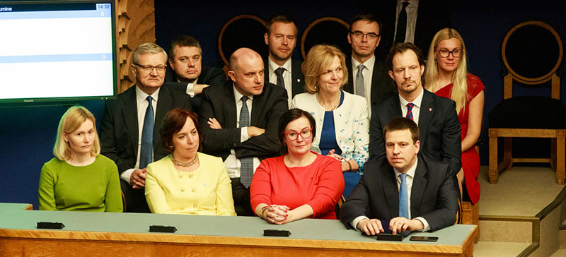 Избранные в Рийгикогу министры прежнего правительства пока отказались от депутатской зарплаты