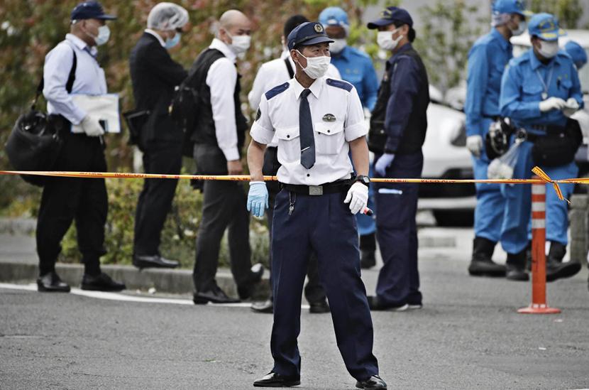 В Японии мужчина с ножом напал на группу школьников: 16 раненых, два погибших