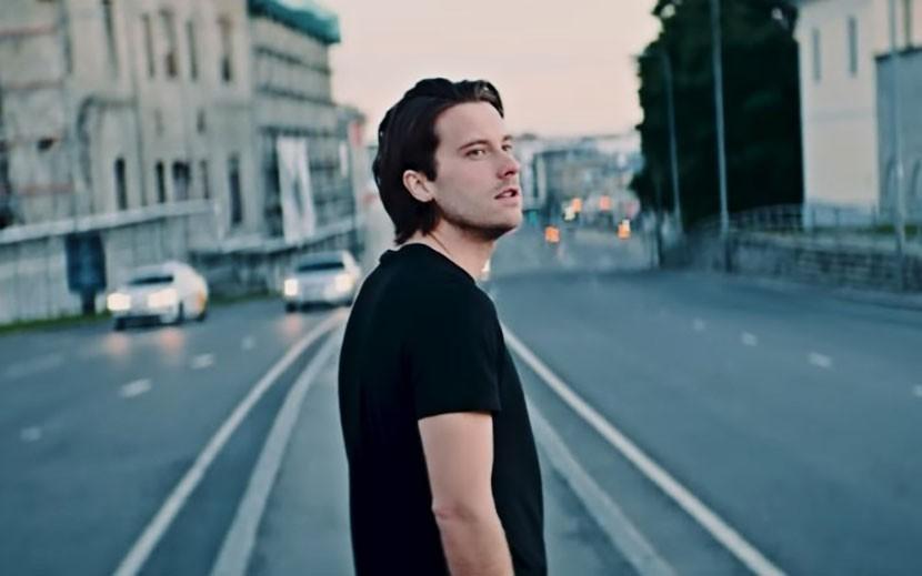 Виктор Крон опубликовал снятый в Таллинне видеоклип
