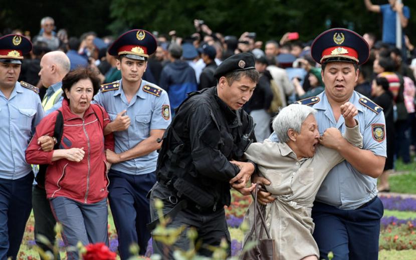 Президентские выборы в Казахстане прошли на фоне протестов и задержаний
