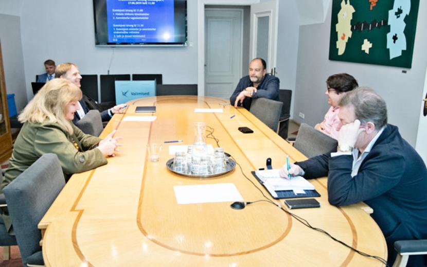 Стальнухин все же возглавил комиссию по проблемам развития эстонского языка