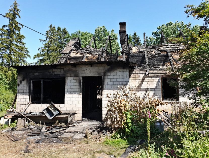 Убитый в Тартумаа подросток перед поджогом был еще жив