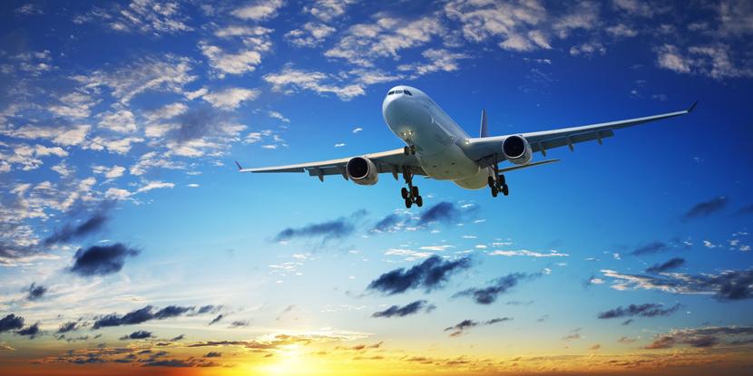 Одежда и обувь, которую лучше не надевать в самолет - для нашей безопасности