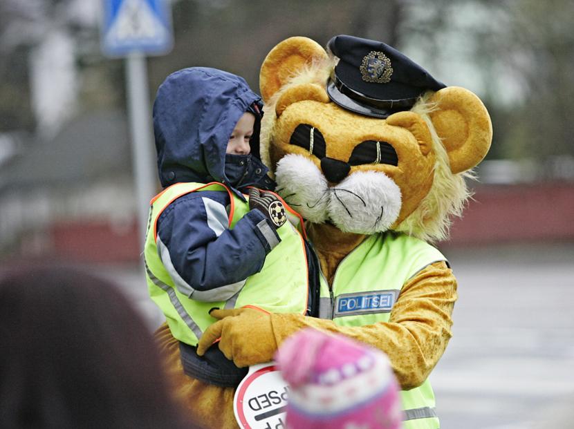 """В Нарве на """"Дне безопасности дорожного движения"""" для детей проведут познавательные игры"""