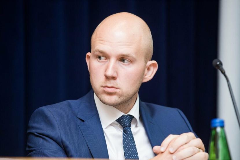 Центристская партия практически выдвинула ультиматум Isamaa: нет внеочередного повышения пенсии — нет реформы II ступени