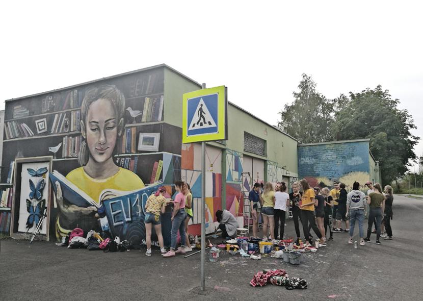 ОБНОВЛЕНО. +Галерея. Культурная столица Европы 2024: международные эксперты знакомятся с Нарвой