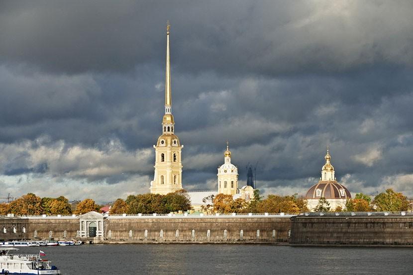 МИД России разъяснил порядок въезда в Санкт-Петербург по электронной визе