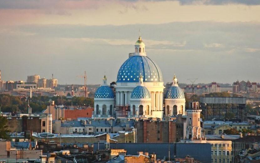 На сайте МИД РФ заработала функция оформления э-визы в Петербург