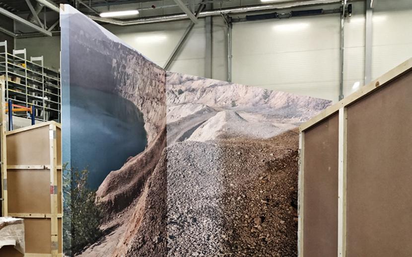 На пребывающей в Эстонию передвижной выставке можно потрогать полезные ископаемые разных стран