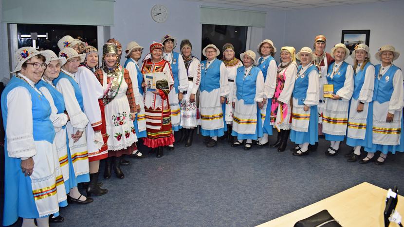 +Галерея. Финно-угорский мир вновь объединился в Нарве