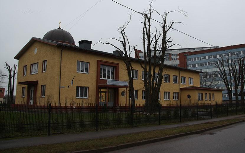 + Галерея. + Видео. Зданию бывшей детской поликлиники справили юбилей. За что такие почести?