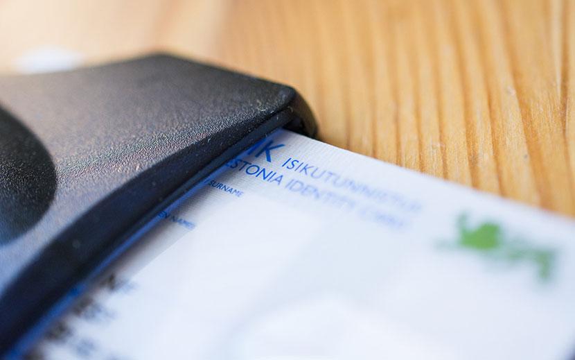 Оформление документов в интернете подешевело, но выдача PIN-кодов для ID-карты стала платной