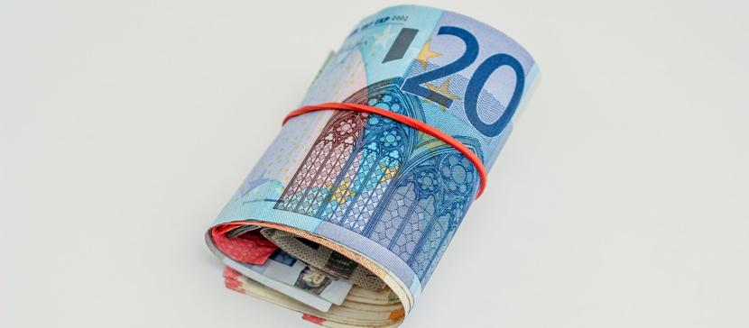 Вы тоже? Исследование: одна треть молодых людей ежемесячно откладывают более 100 евро
