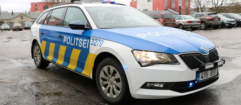 В Латвии задержаны трое мужчин, связанных в угоном автомобиля Lexus из Эстонии. Операция продолжается