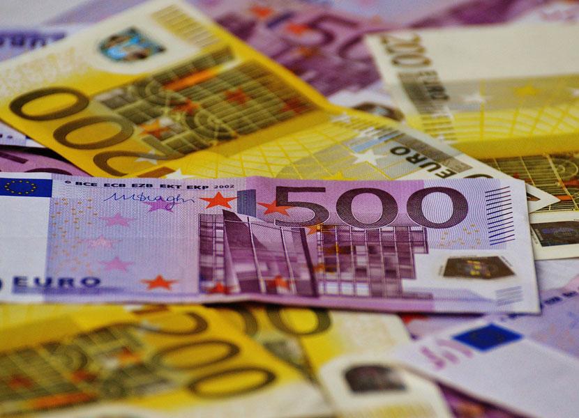 Предложили кредит на выгодных условиях! У жительницы Сааремаа мошенники выманили почти 15 тысяч евро