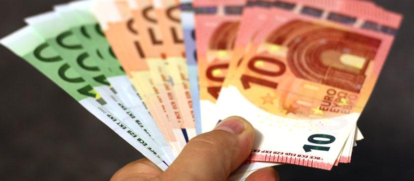 Жить станет лучше и веселее! В апреле средняя пенсия по старости увеличится на 45 евро и составит 528 евро