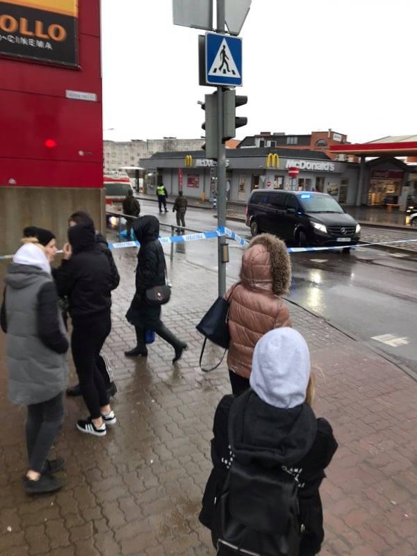 ФОТО: Со смотровой вышки нарвского торгового центра Astri упала девочка и скончалась на месте