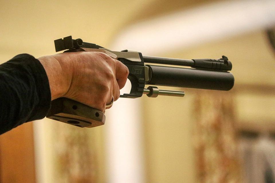 Угрожавшего незнакомцу пневматическим оружием нарвитянина наказали тюремным заключением