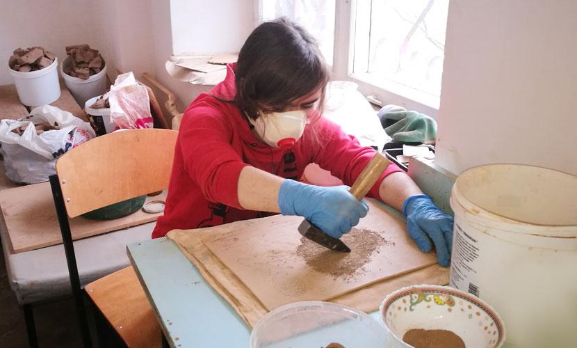 """Нарвитянка о своих дочерях: """"Я не очень верю в то, что кто-то их возьмет на работу, несмотря на полученные навыки"""". Как трудоустроиться людям с особыми потребностями?"""