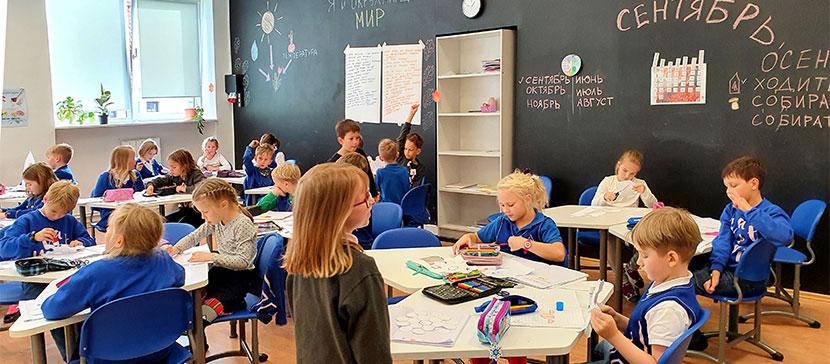«Много друзей и учителя хорошие»: один день в Открытой школе. (Обновлен видеообзор)