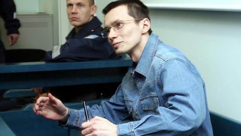 Серийный убийца Устименко добивается перевода в российскую тюрьму