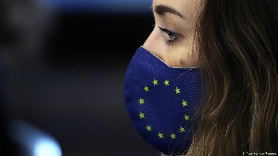 ЕС может потерять до 100 млрд евро из-за пробуксовки вакцинации