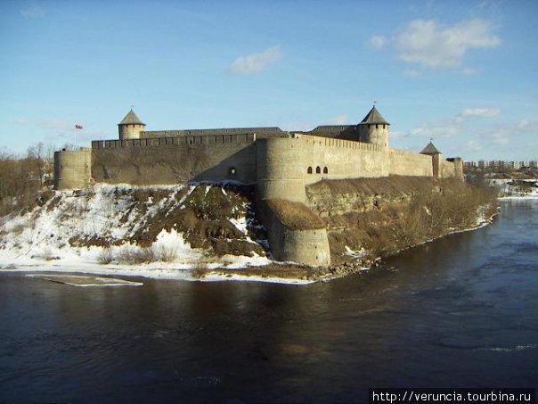 С 31 марта граждане РФ смогут привиться в Ивангороде