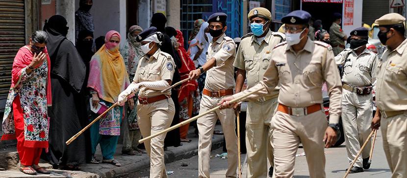 Власти Индии сообщили о четвертой волне COVID-19 в столице