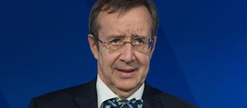 Ильвес призвал запретить россиянам въезд в Евросоюз