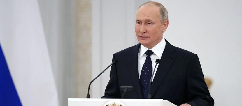 Рейтинг Путина в России упал более, чем вдвое